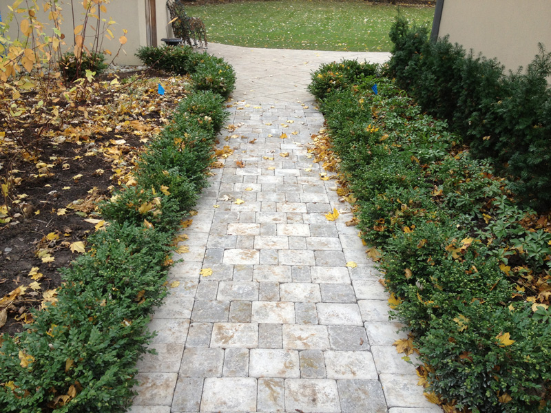 how-much-does-it-cost-to-build-a-paver-walkway