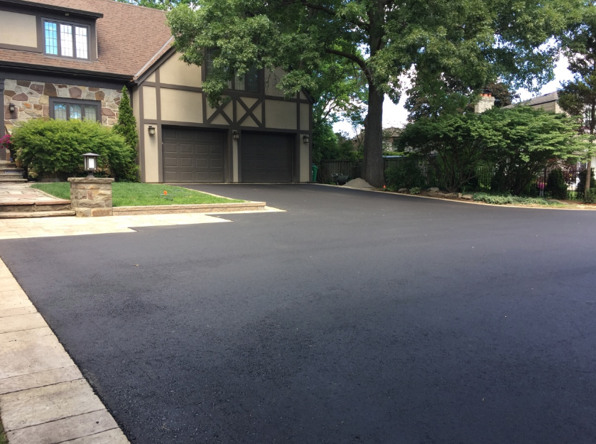 asphalt-paving-companies