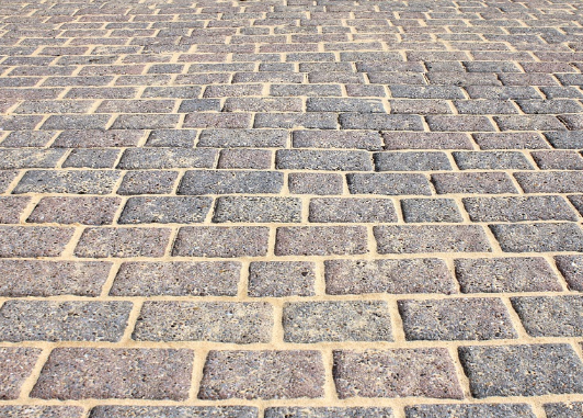 how-much-does-it-cost-to-pave-a-driveway-with-pavers
